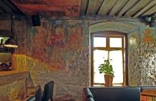 Примеры художественное оформления стен