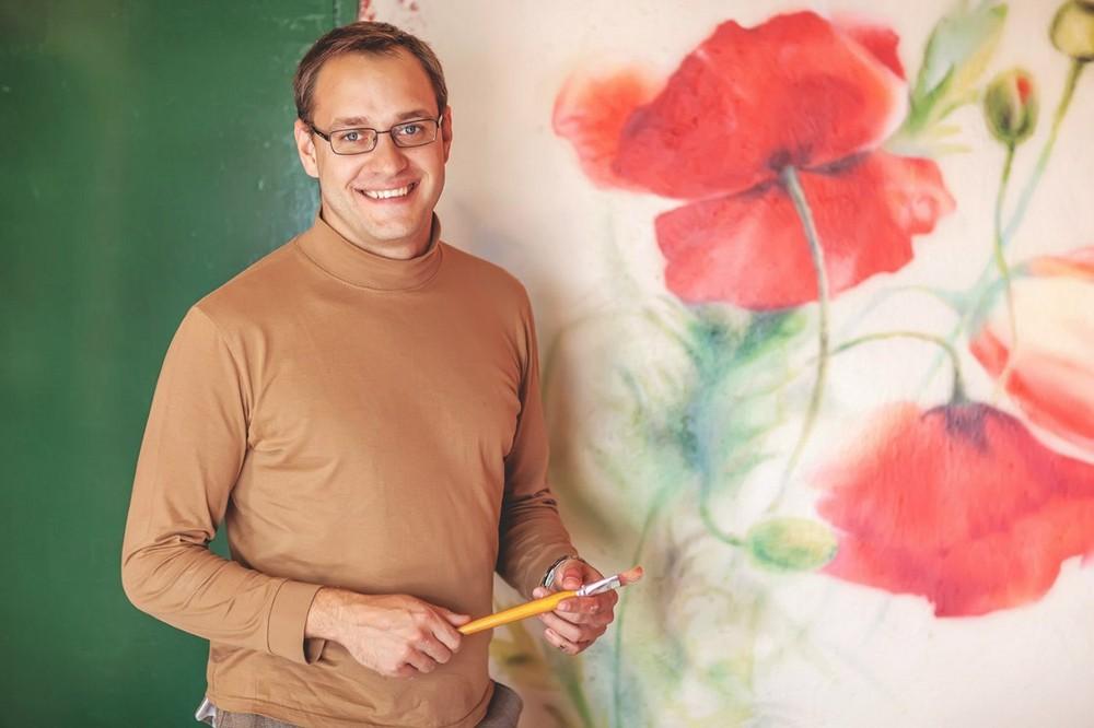 Художник по росписи стен